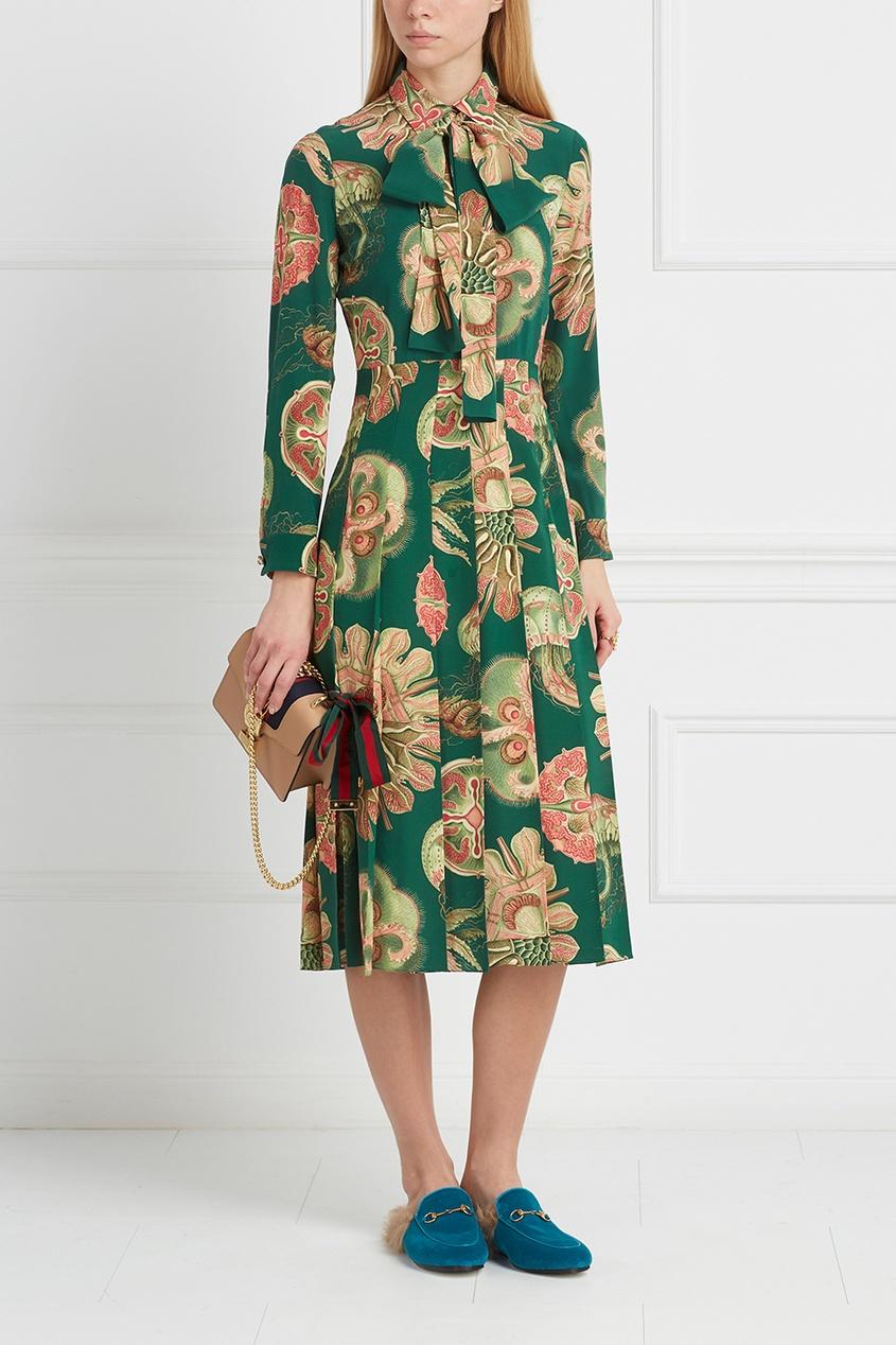 Фото 4 - Шелковое платье от Gucci цвет multicolor