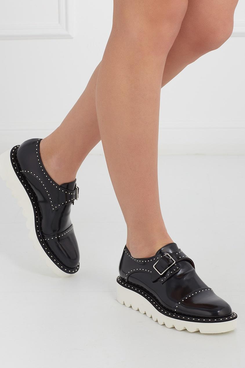 Ботинки с металлическими заклёпками