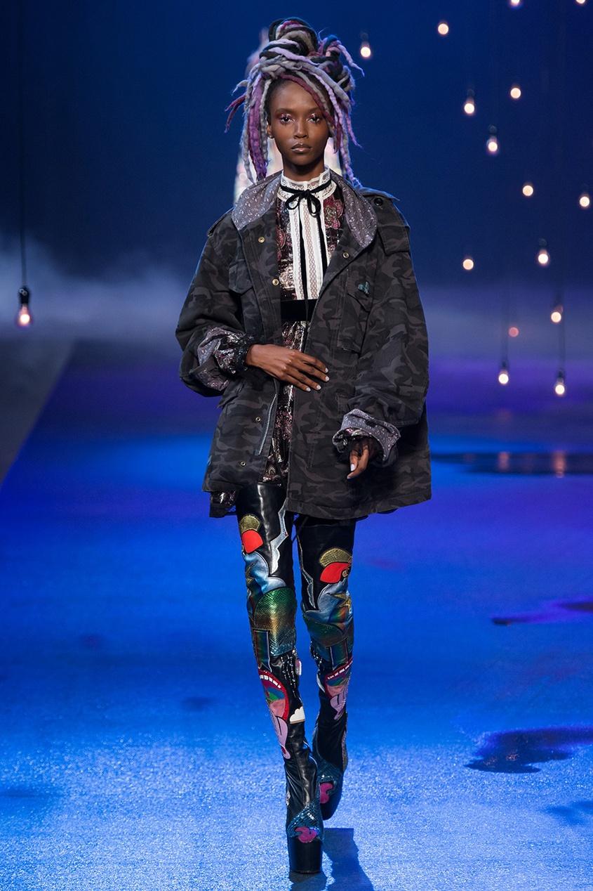 Marc Jacobs Платье с принтом marc jacobs рубашка с принтом