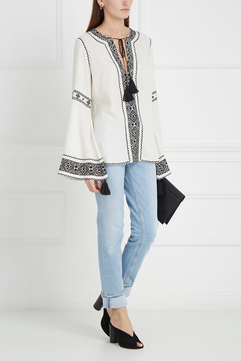 Блузка с вышивкой и завязками