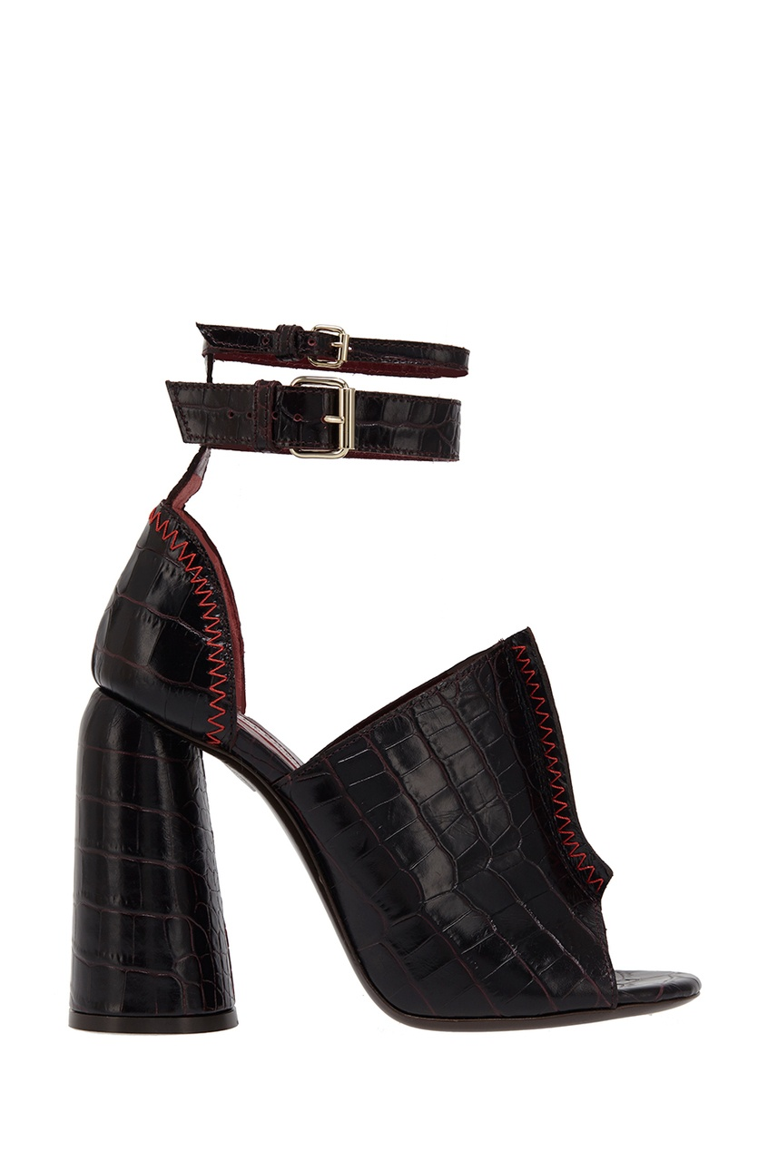 Кожаные босоножки с толстым каблуком