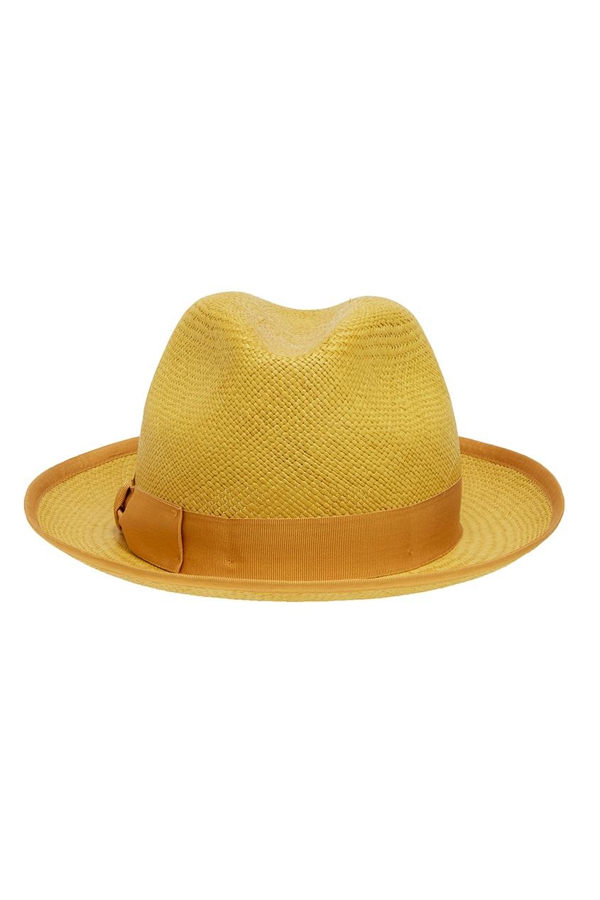 Желтая шляпа из соломки
