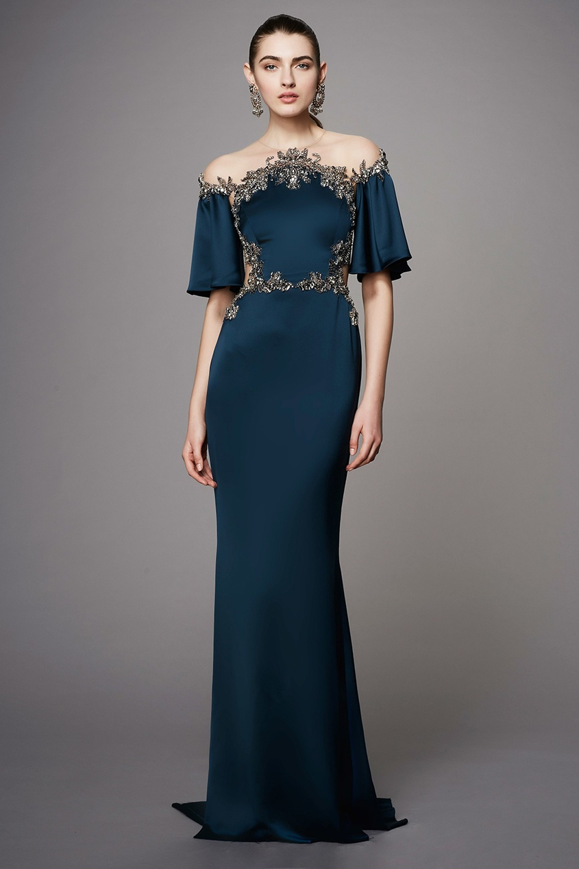Купить со скидкой Шелковое платье с вышивкой