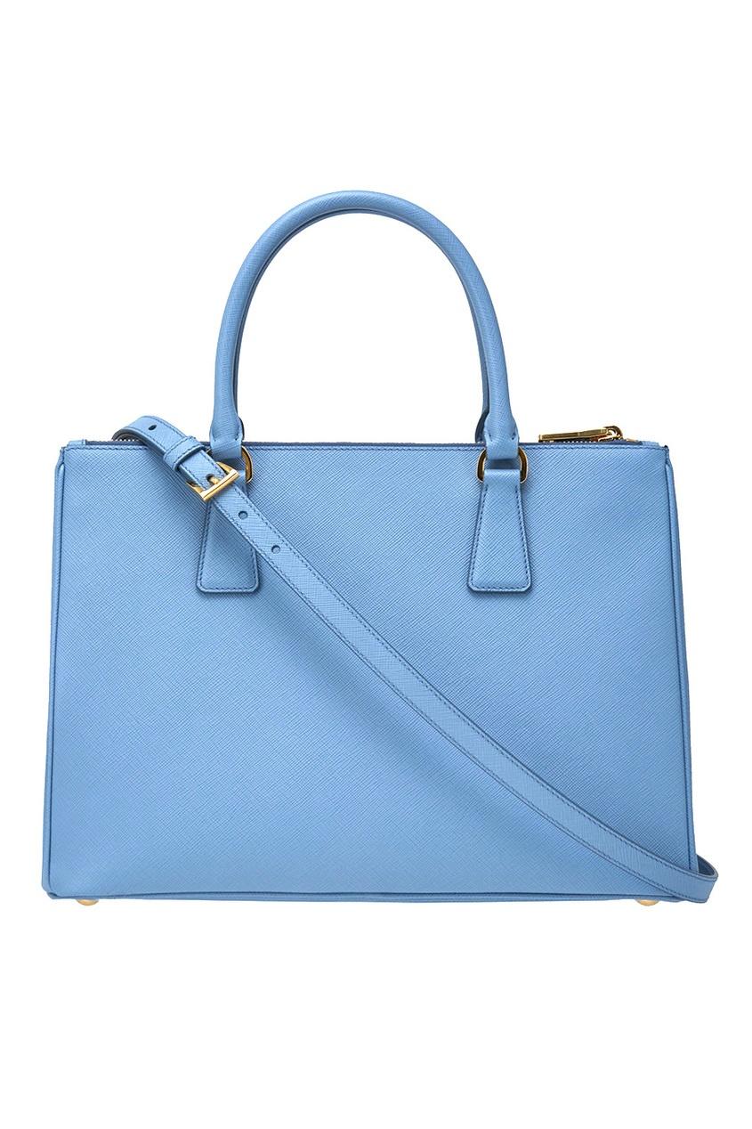 Фото 5 - Кожаная сумка Galleria от Prada голубого цвета