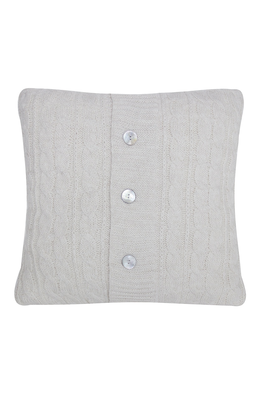 Подушка вязаная с перламутровыми пуговицами