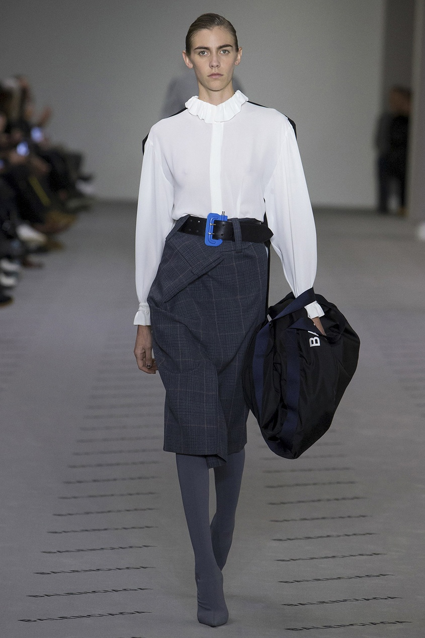 Balenciaga Однотонная блузка блузки анна чапман блузка
