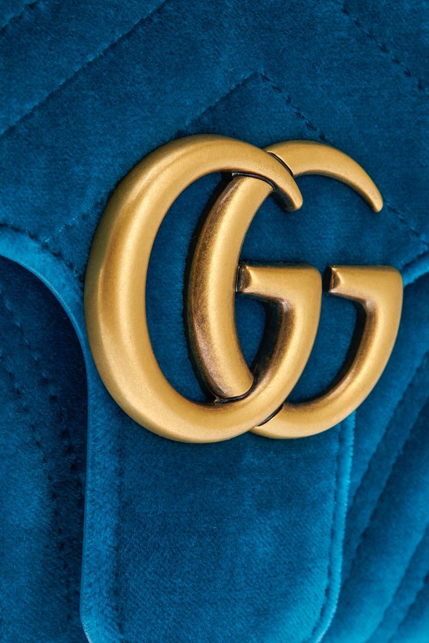 Фото 4 - Бархатная сумка GG Marmont от Gucci синего цвета