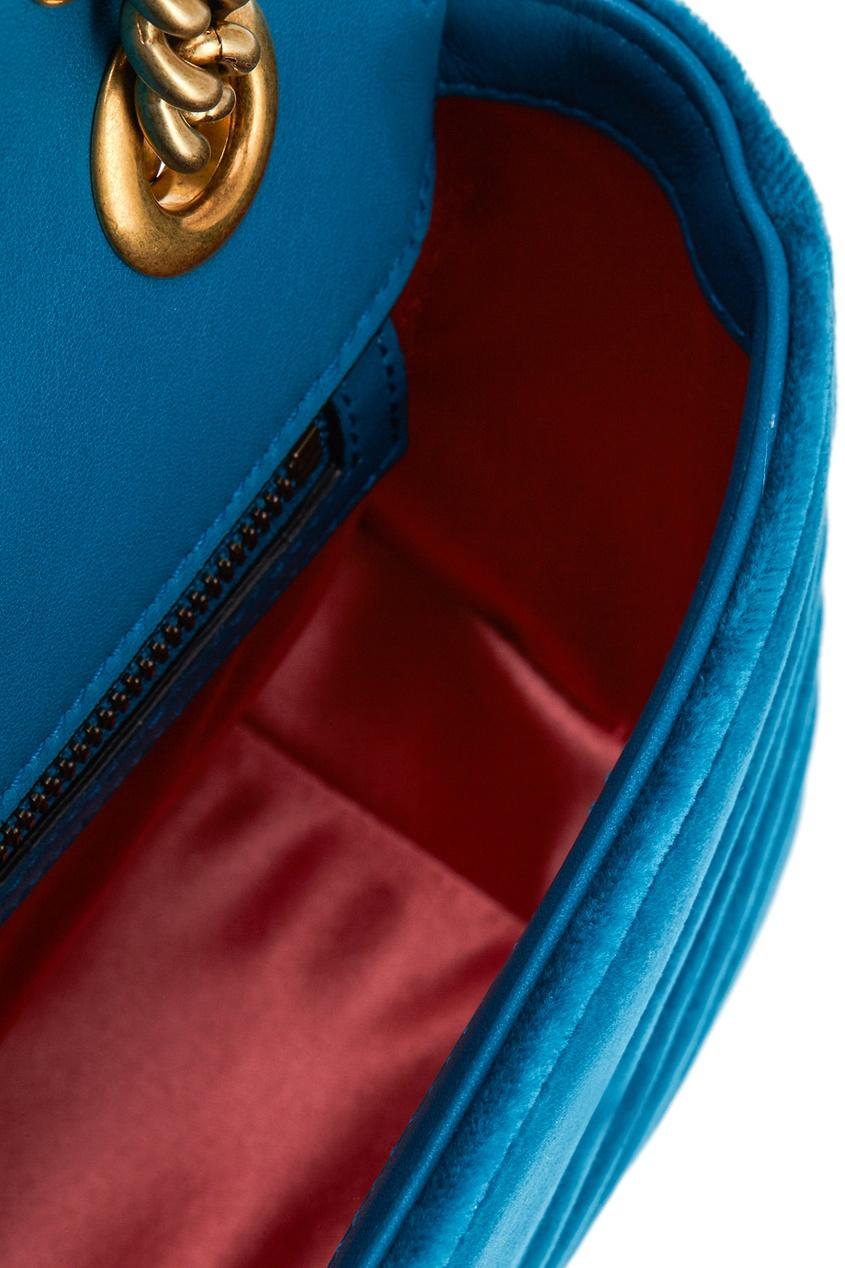 Фото 5 - Бархатная сумка GG Marmont от Gucci синего цвета