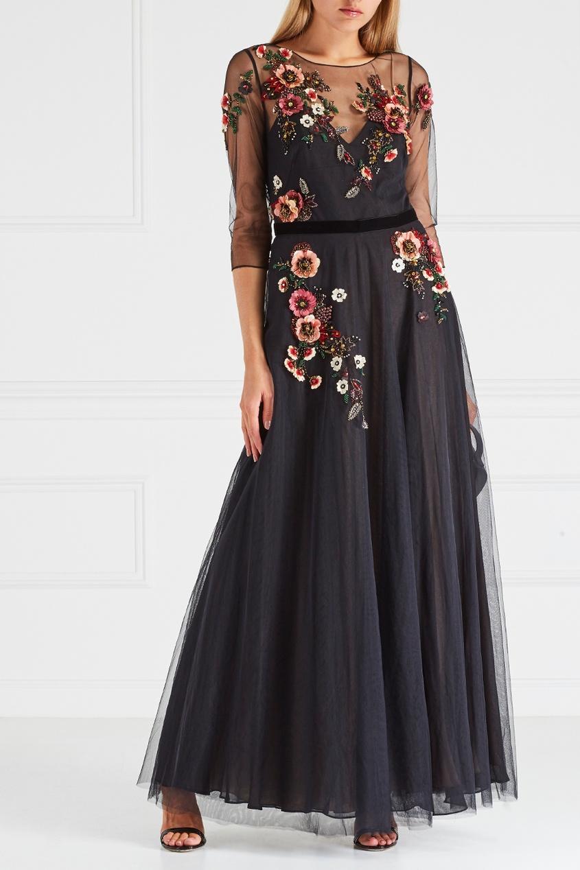 Платье с вышивкой пайетками
