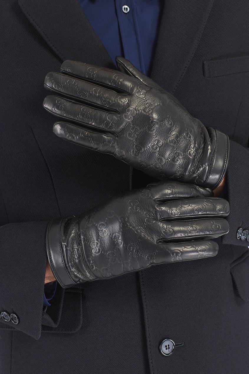 Перчатки с тисненым узором Gucci Man. Цвет: черный