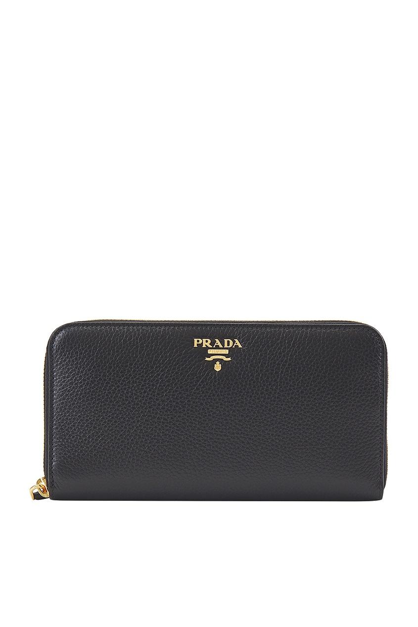 Купить Кожаный кошелек от Prada черного цвета