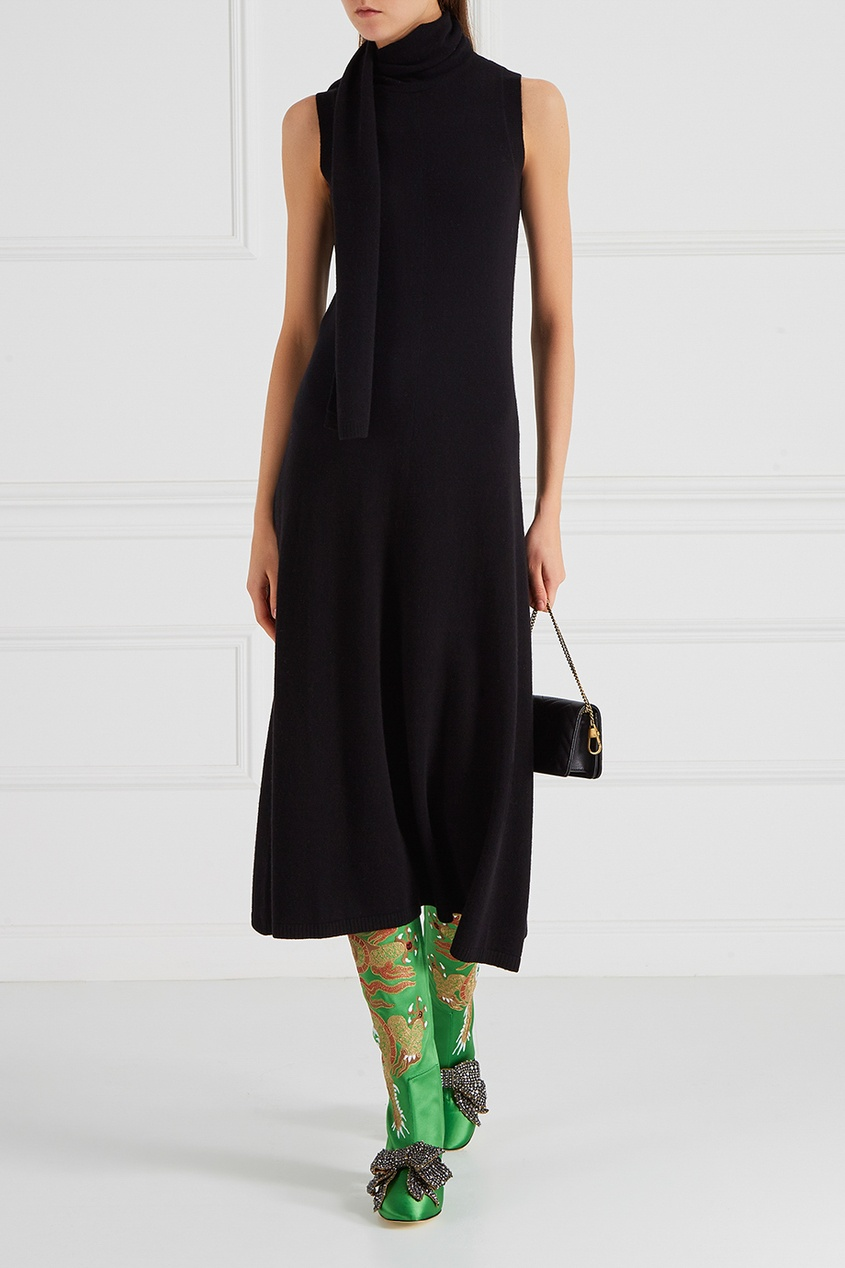 Зеленые сапоги из сатина с вышивкой