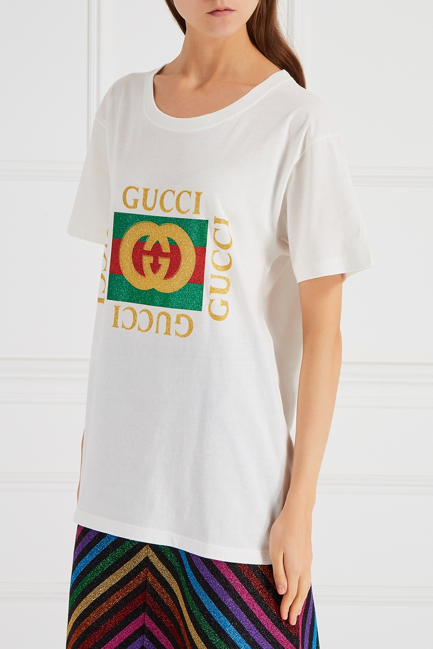 Белая футболка с монограммой