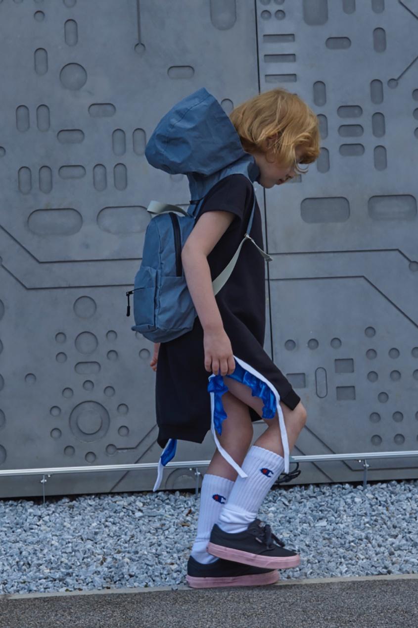 Рюкзак со съемным капюшоном