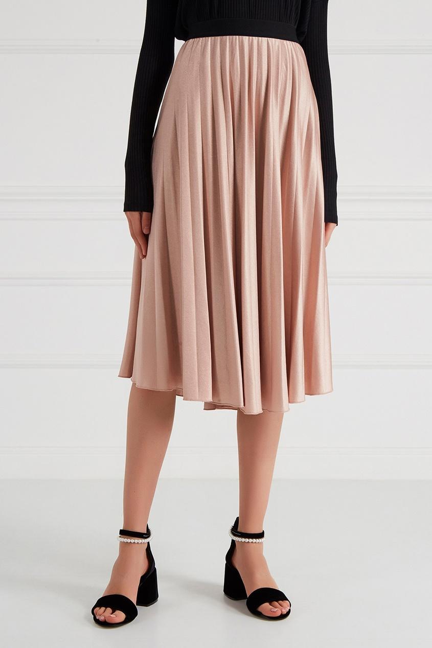 Розовая плиссированная юбка