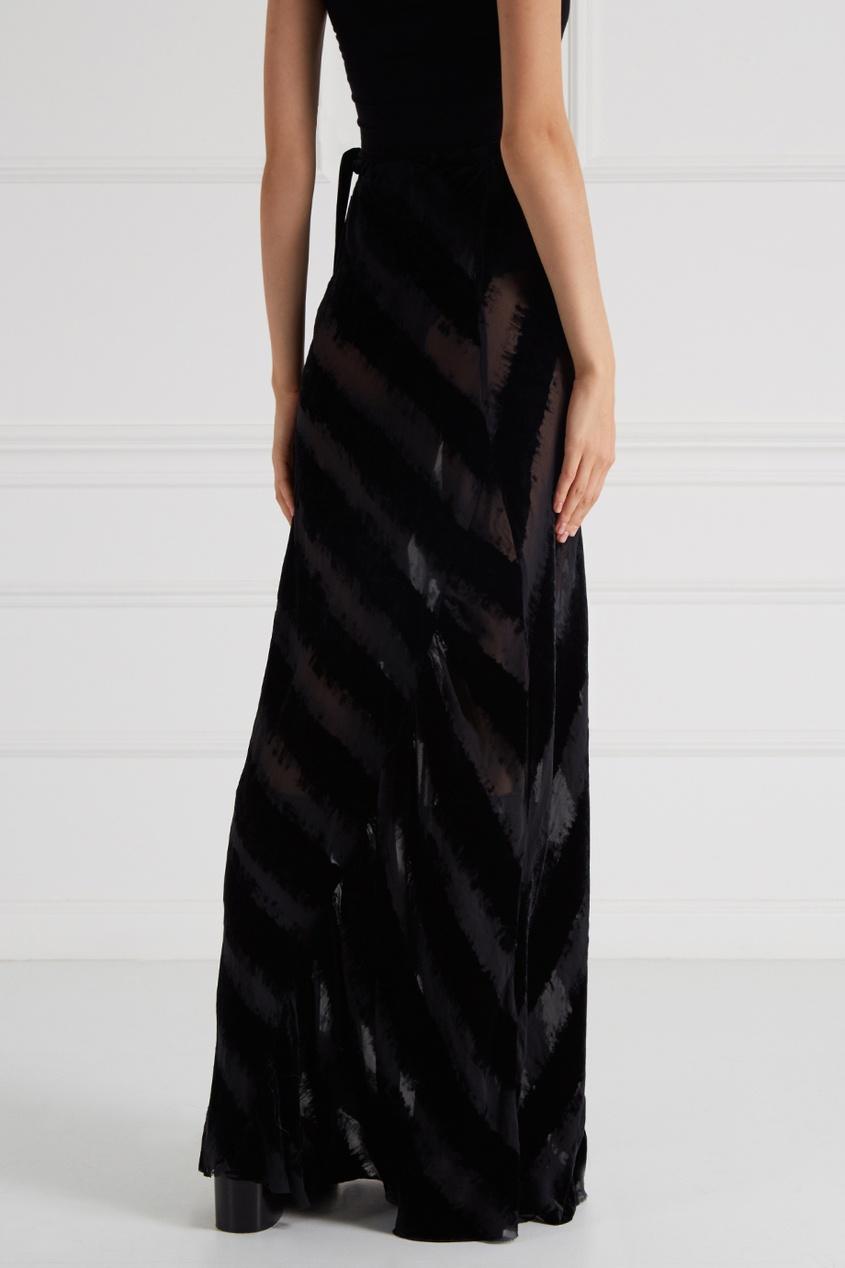 Черная юбка в полоску
