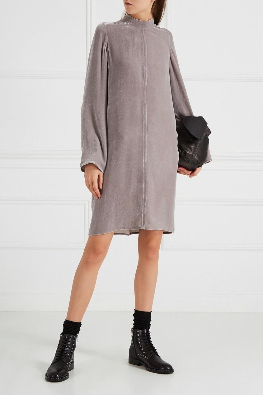 Серое бархатное платье