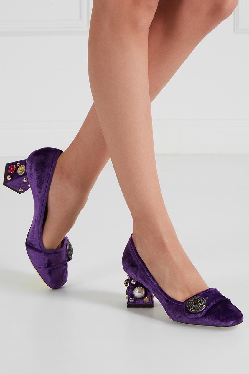 Бархатные туфли с отделкой