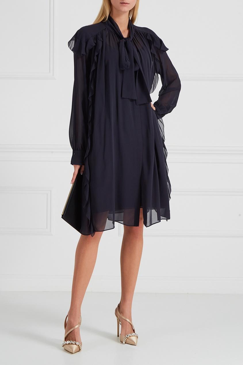 Платье с драпировками и рюшами