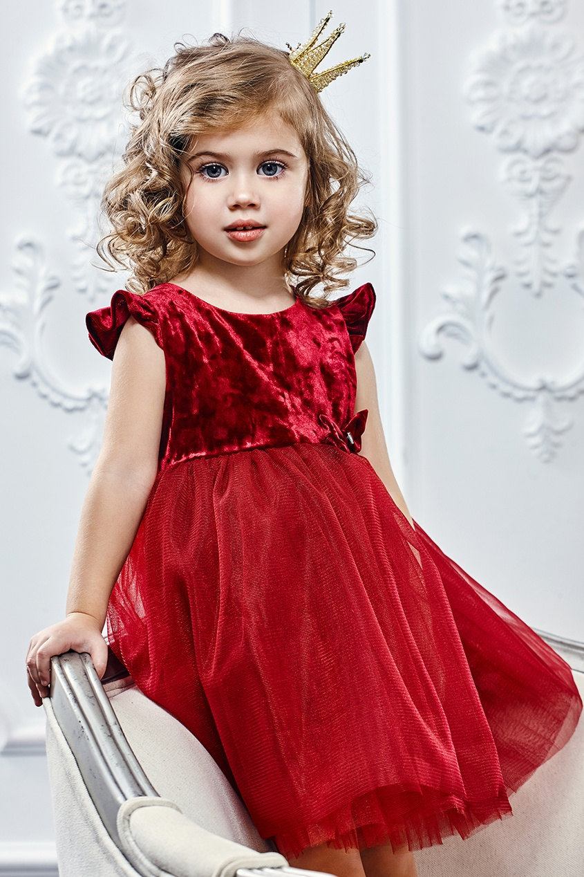 Платье из бархата и сетки