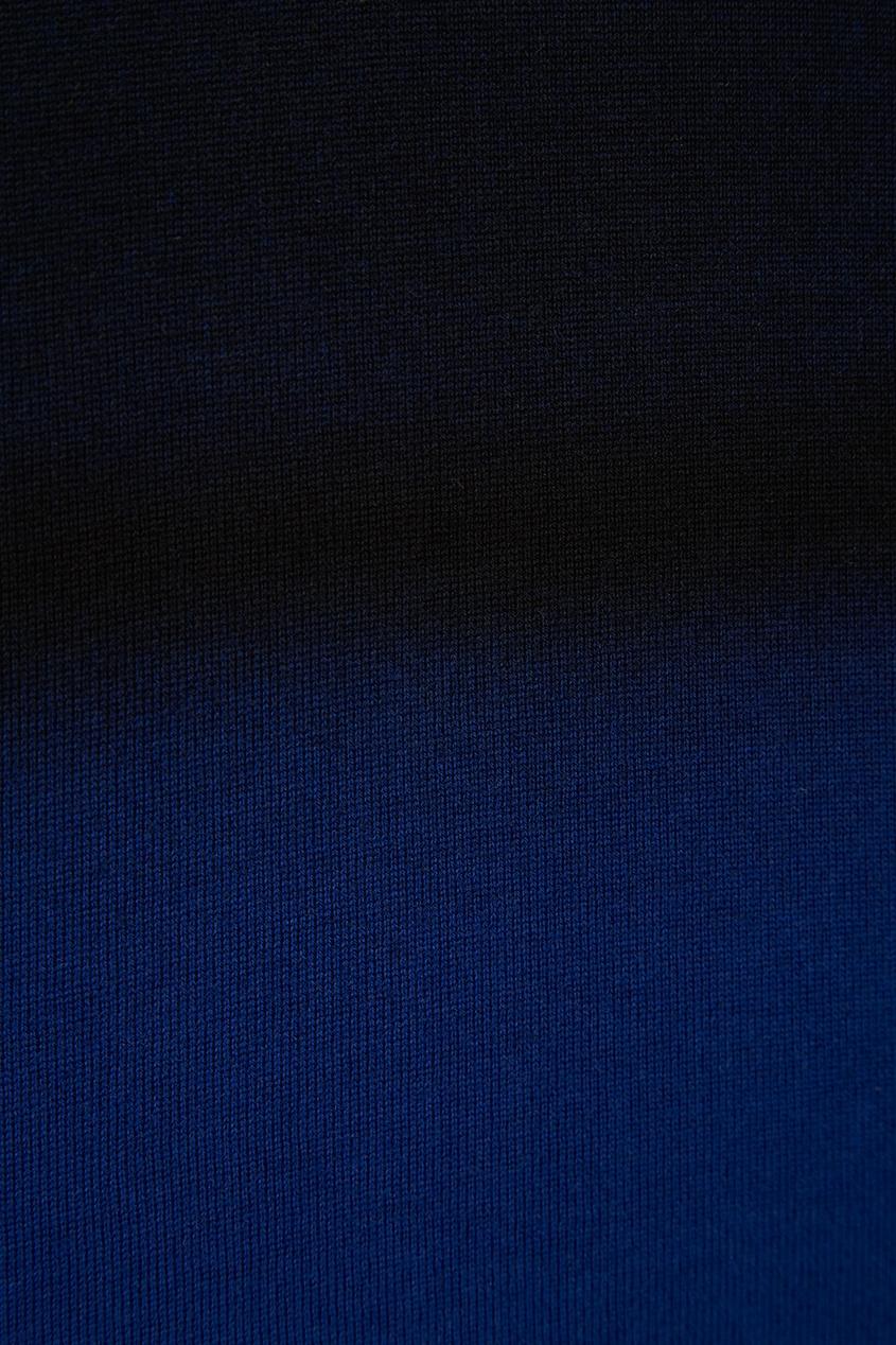 Синий джемпер с градиентом