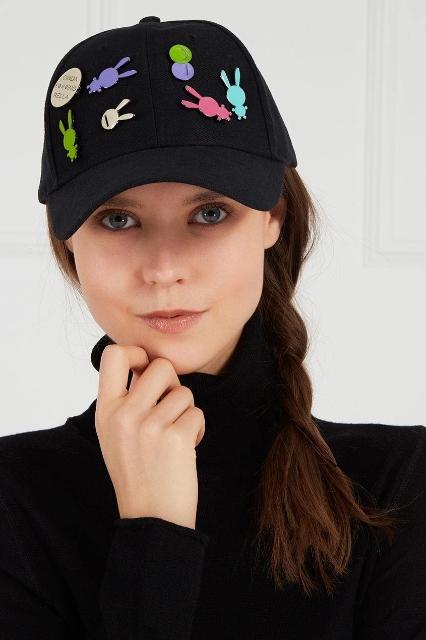 Natasha Zinko Черная кепка со значками цены онлайн
