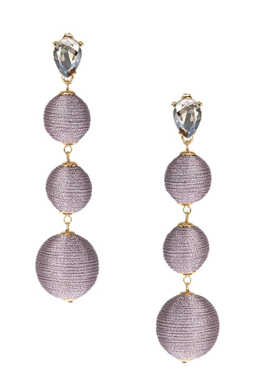 Серьги-шары с отделкой розовыми нитками