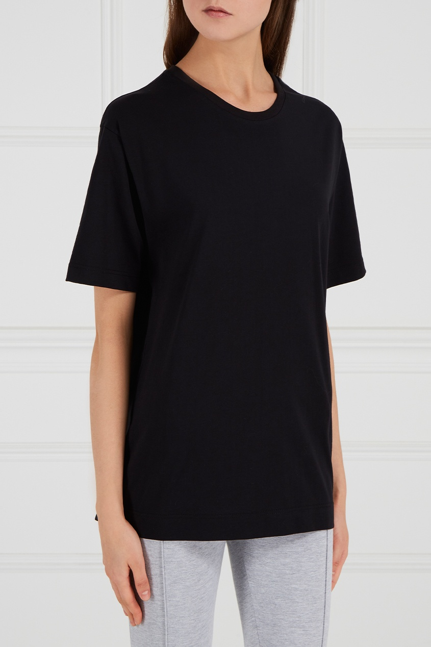Черная футболка из хлопка