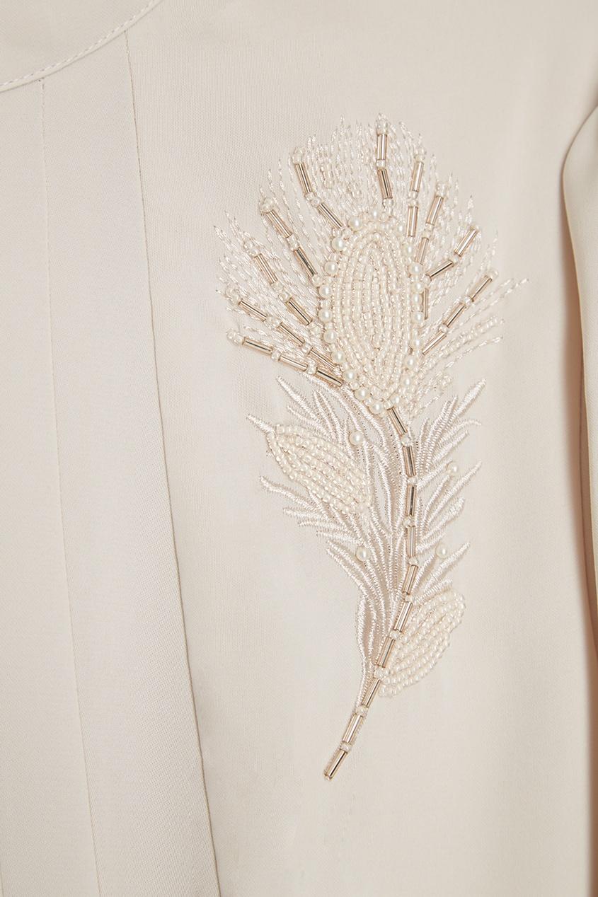 Платье со складками и вышивкой