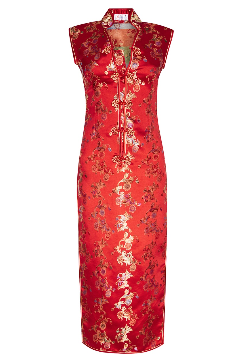Красное атласное платье