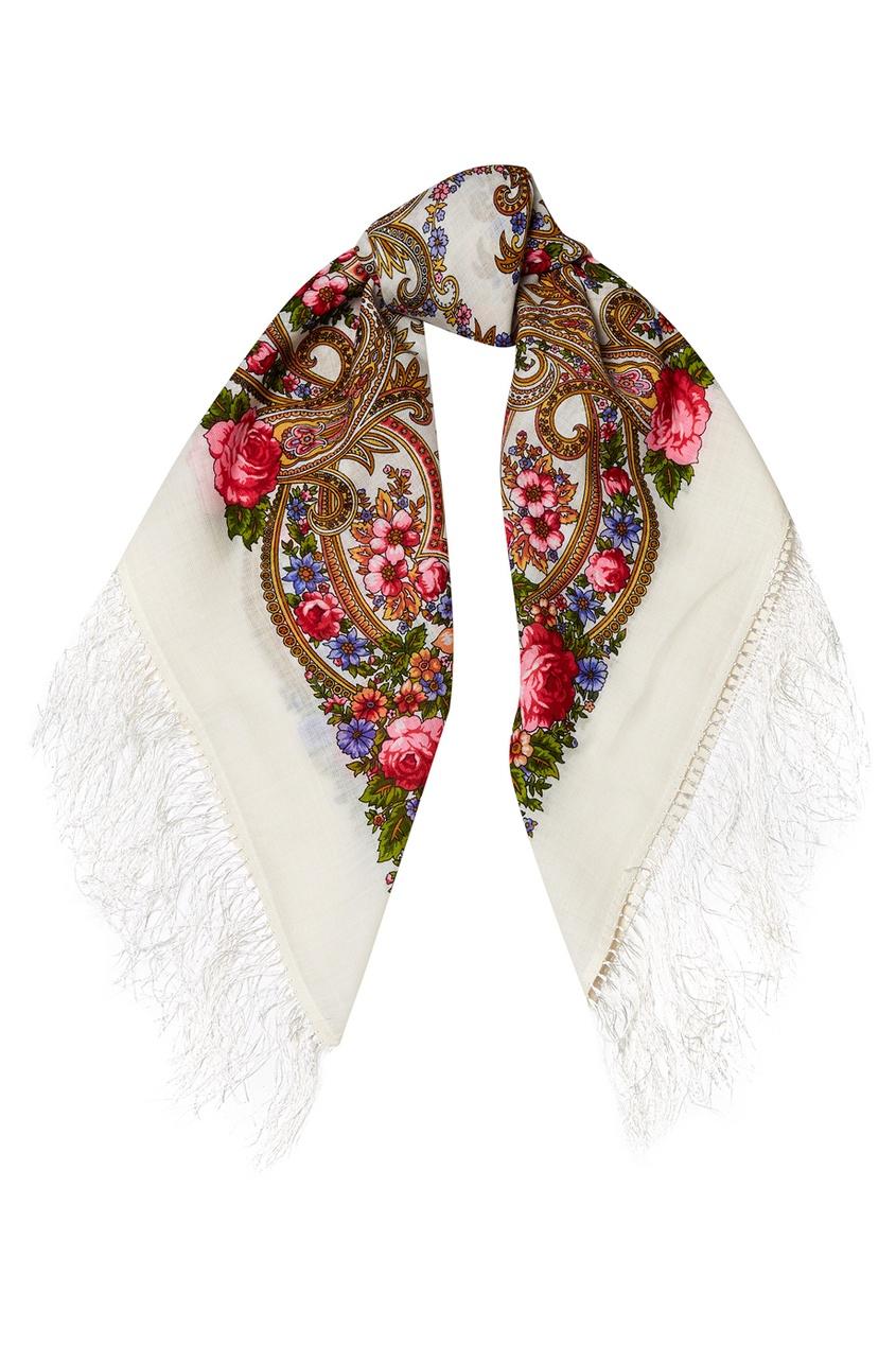 Белый платок с цветами