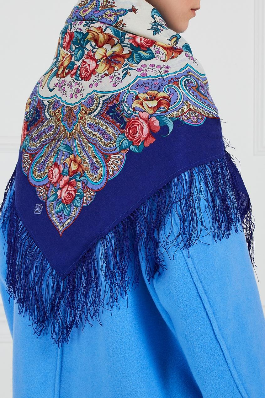 Синий платок с розами и лилиями