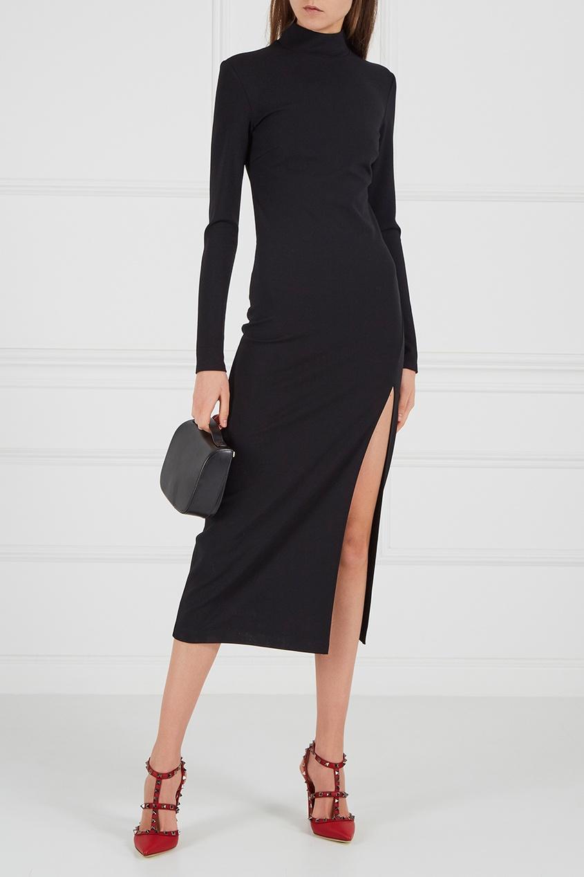 Платье-водолазка с разрезом