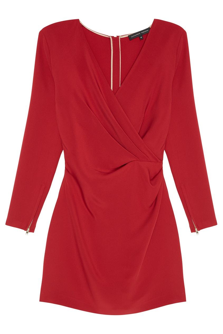 Красное платье с драпировкой