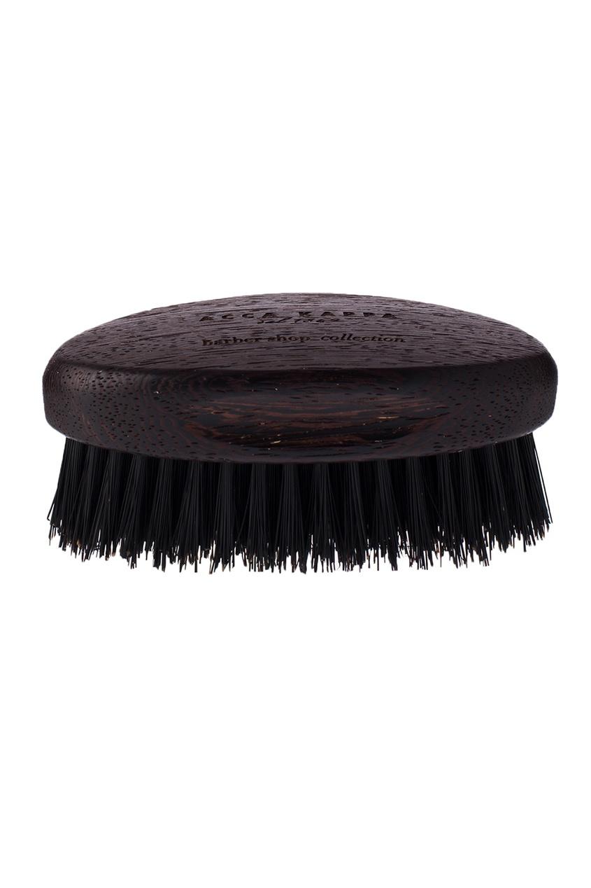Черная щетка для бороды с основой из дерева