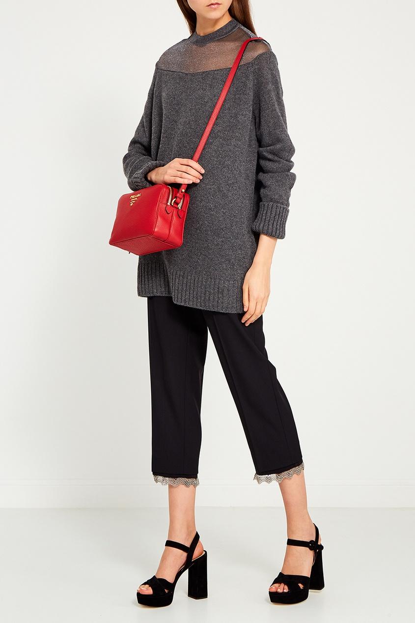 цена Prada Красная кожаная сумка онлайн в 2017 году
