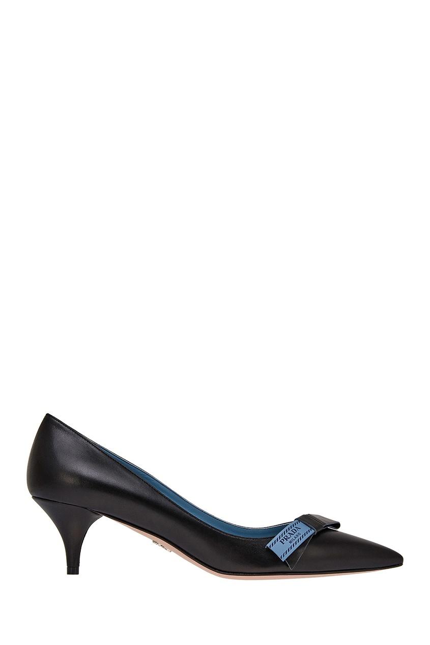 Черные кожаные туфли с логотипом