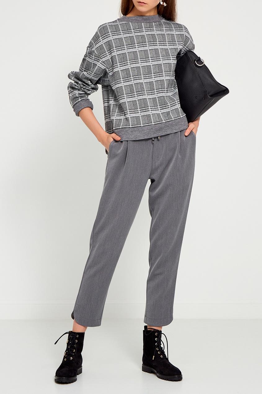 Серые брюки с карманами