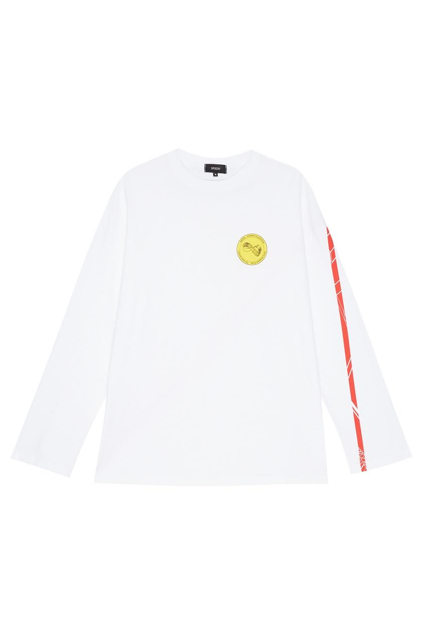 Белый лонгслив с эмблемой
