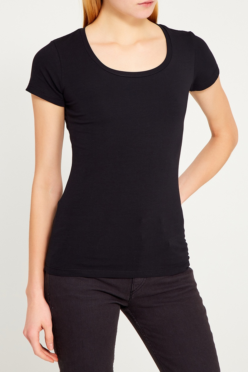 Черная футболка свободного кроя с круглым вырезом