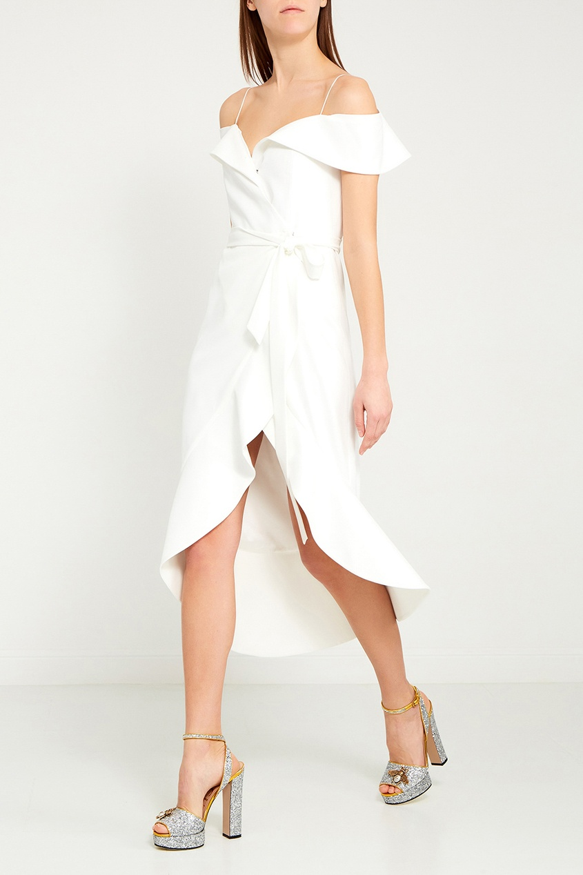 купить Alice + Olivia Асимметричное платье с открытыми плечами дешево