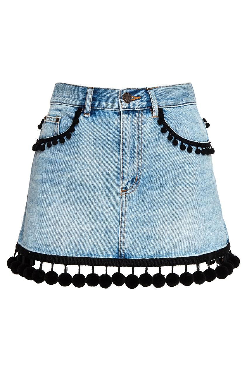 Джинсовая юбка с помпонами