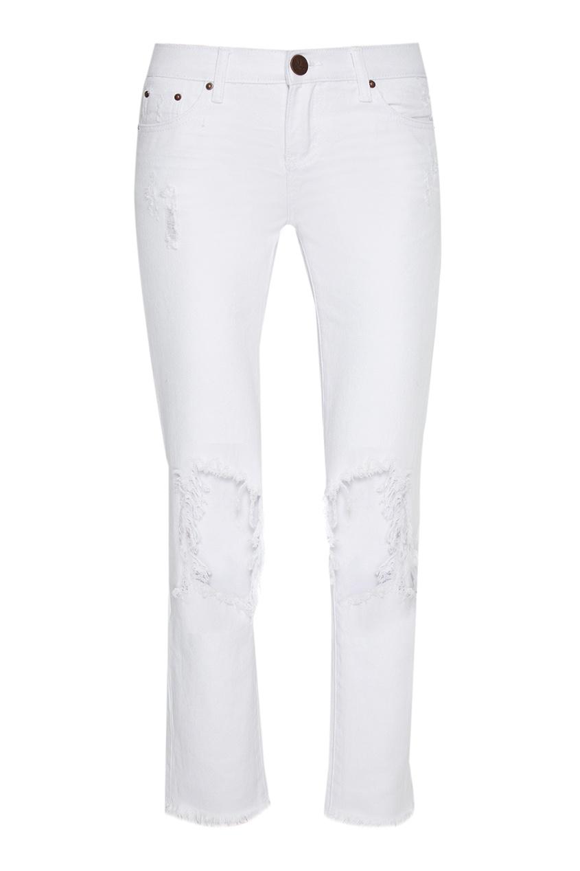 Белые джинсы с потертостями