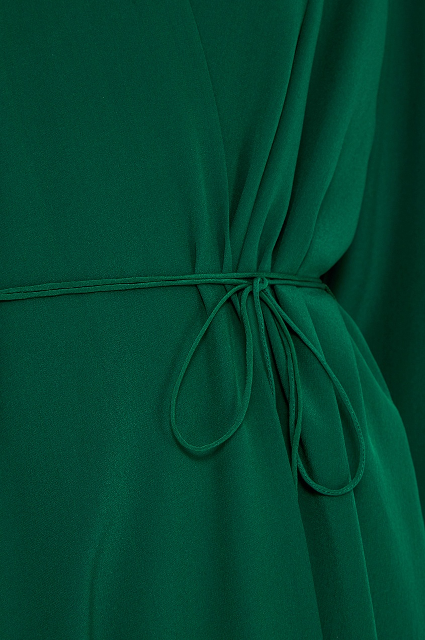 Шелковое платье с запахом