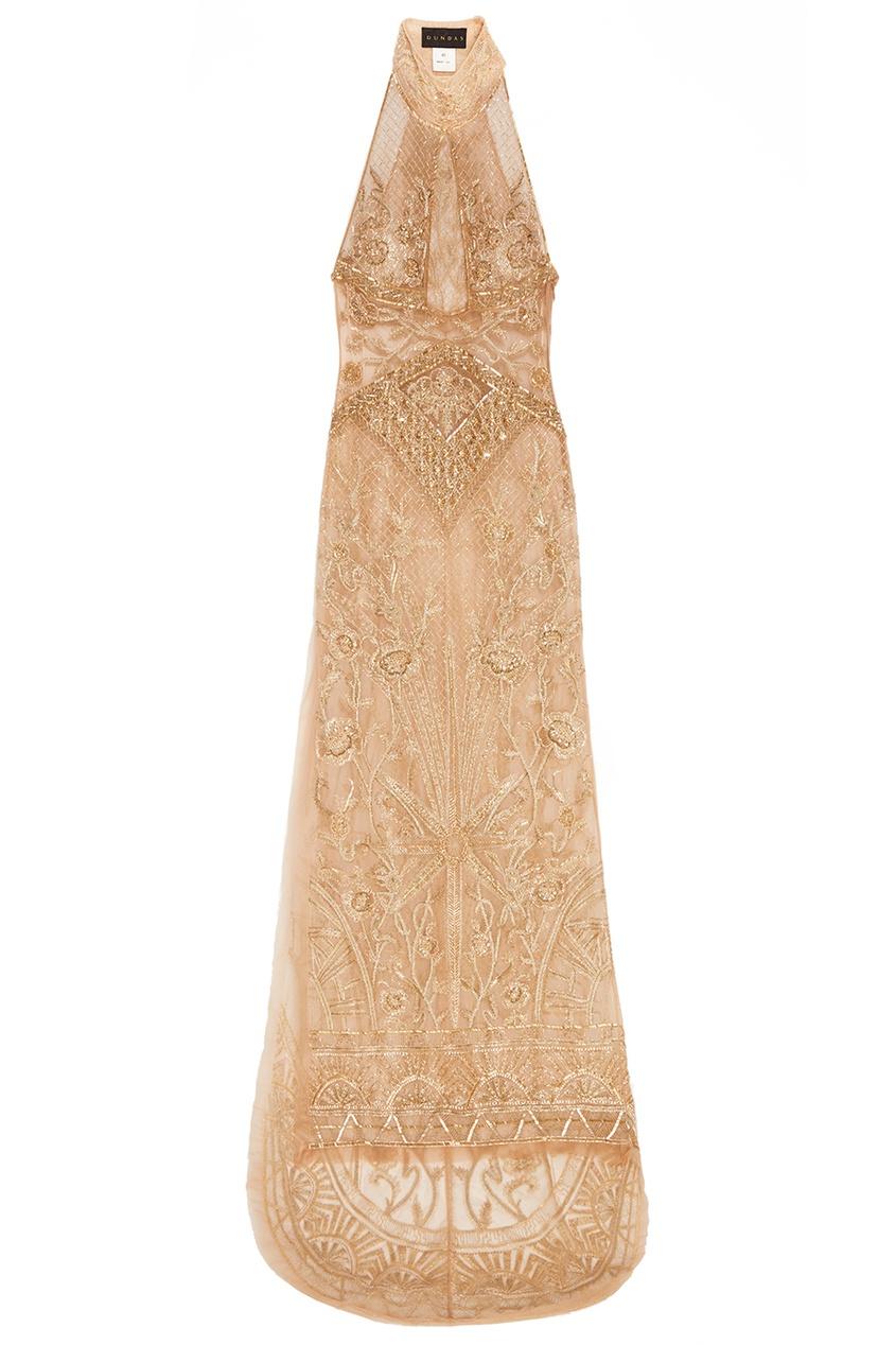 Бежевое платье с вышитыми узорами