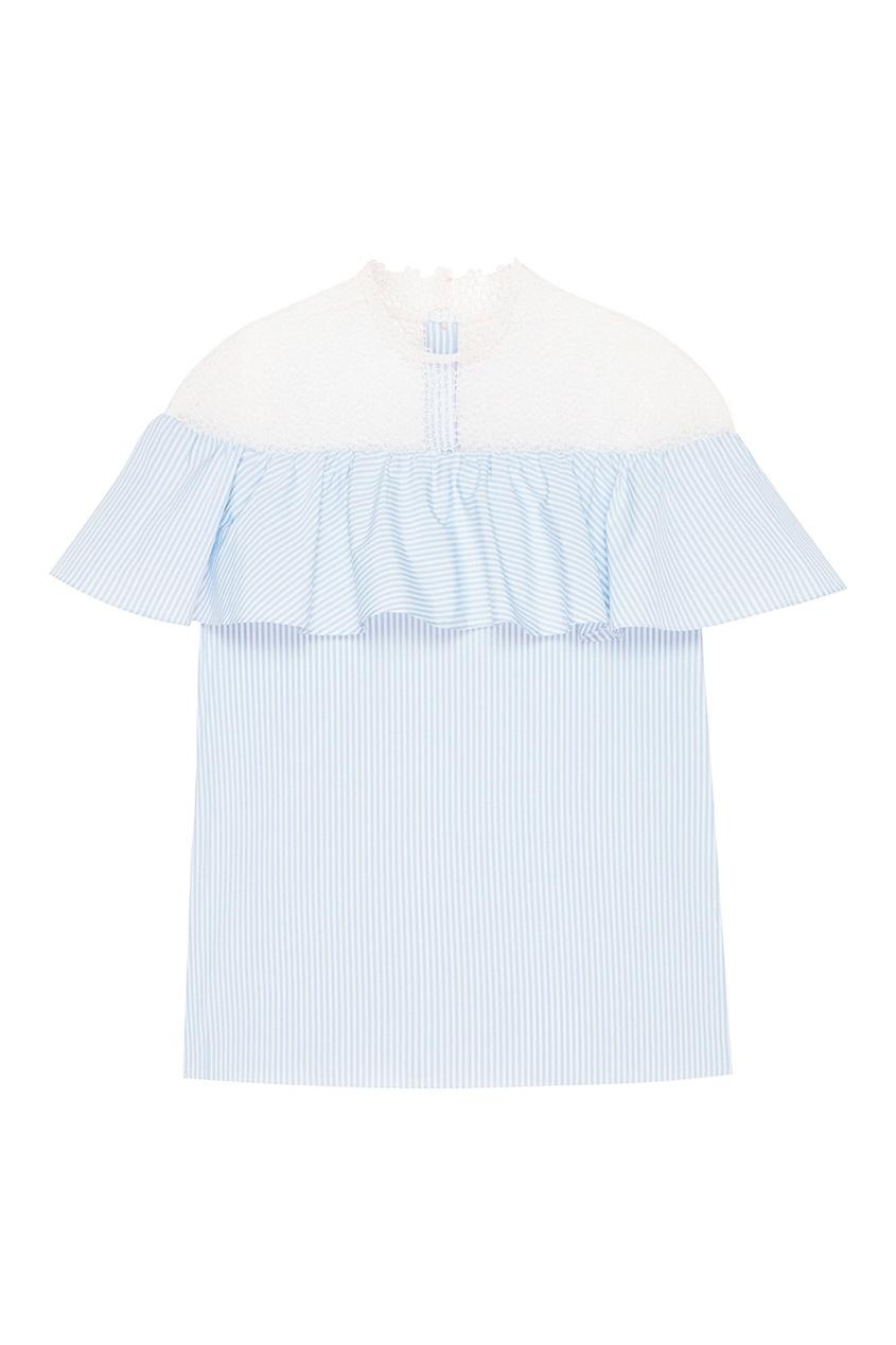 Голубая блузка с кружевом