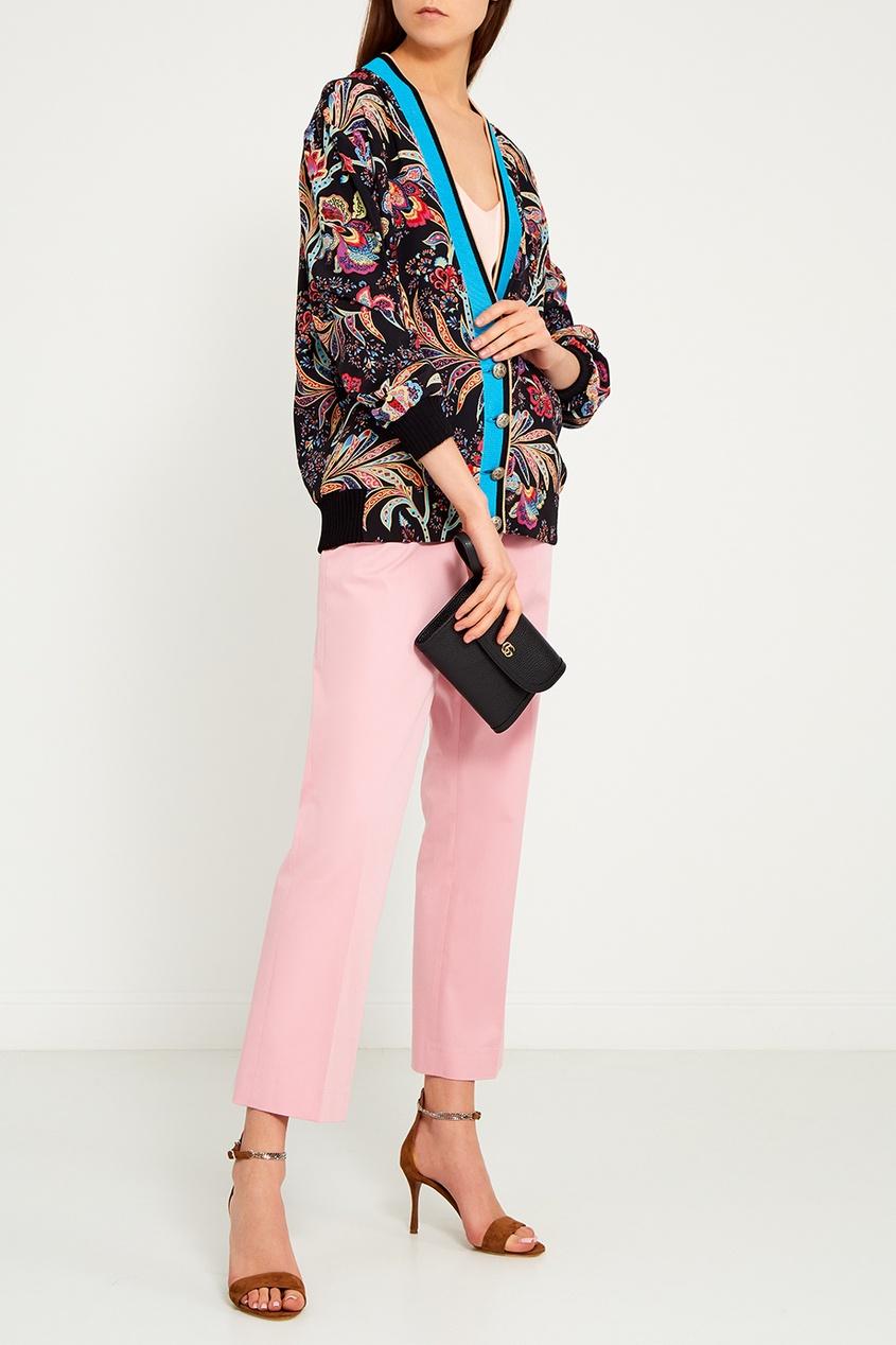 Короткие розовые брюки