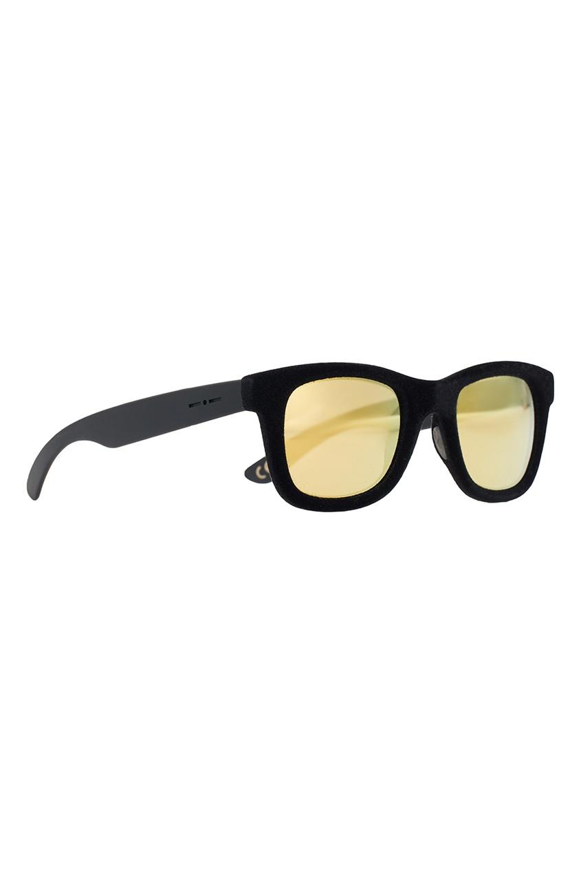 Черные очки с бархатной отделкой