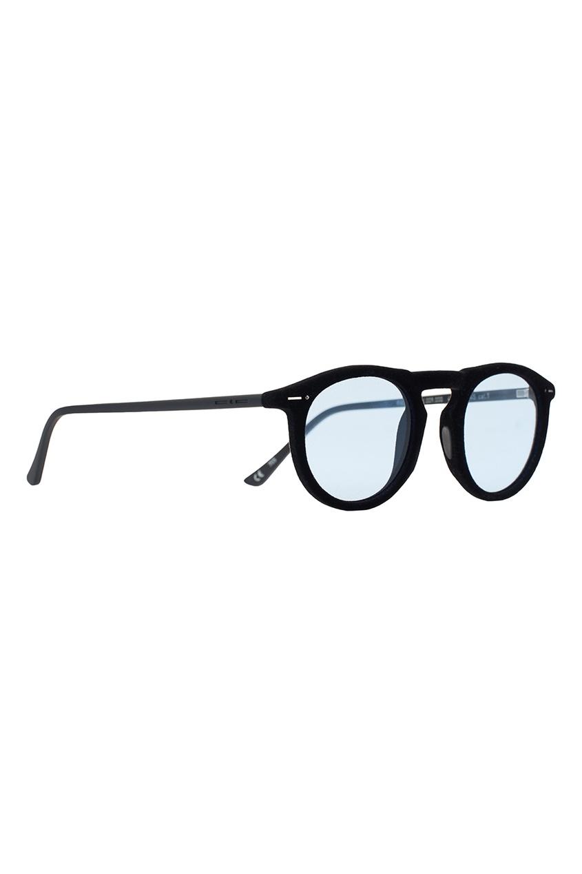 Черные очки с голубыми линзами