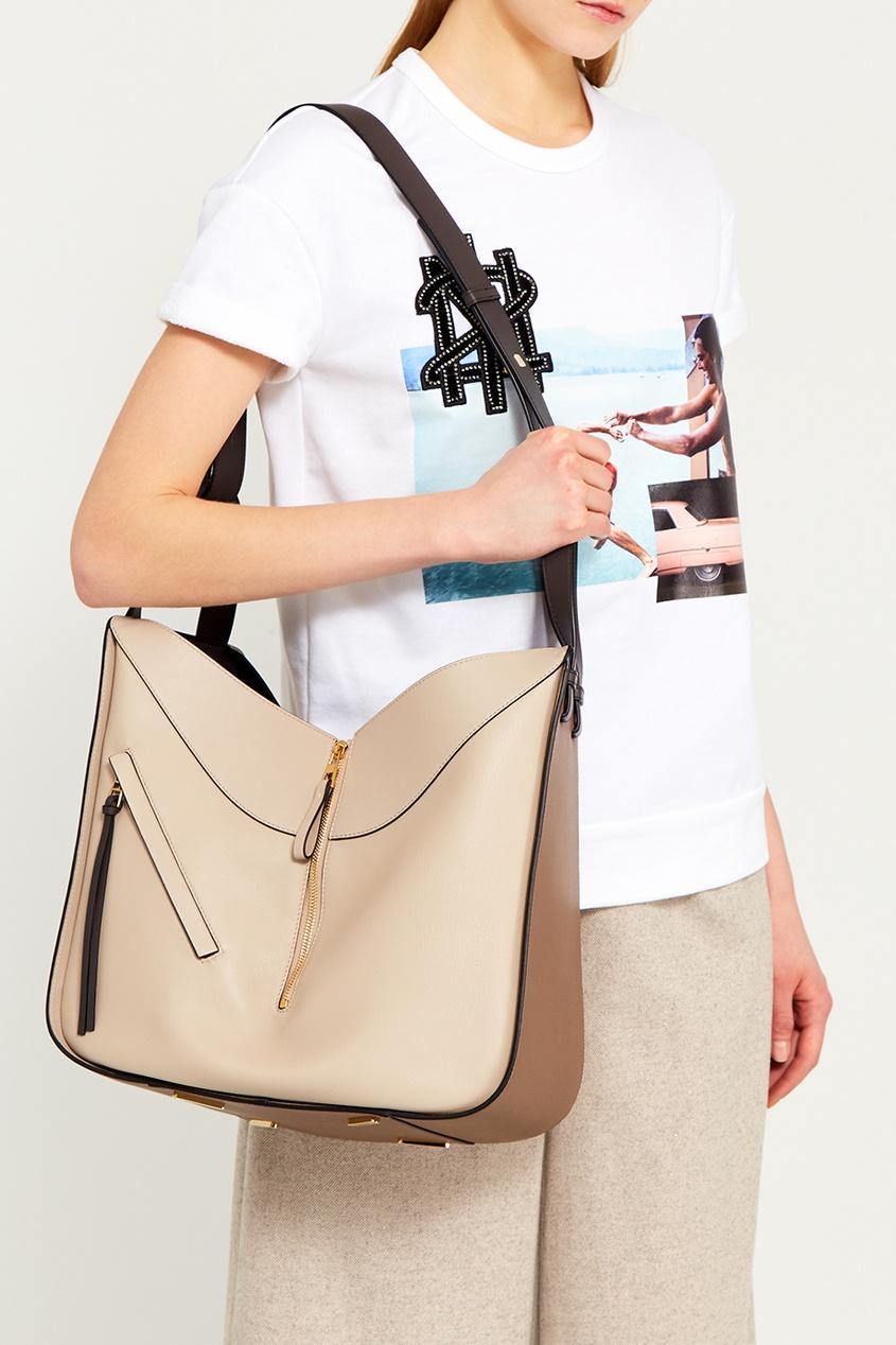 LOEWE Бежевая сумка из кожи Hammock